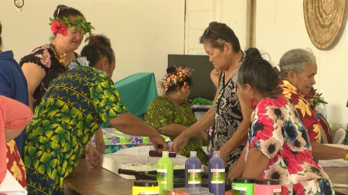 It was a great turnout at the National Council of Women where members got to work on block printing in a workshop. Tepori Teariki has travelled from Auckland representing the…