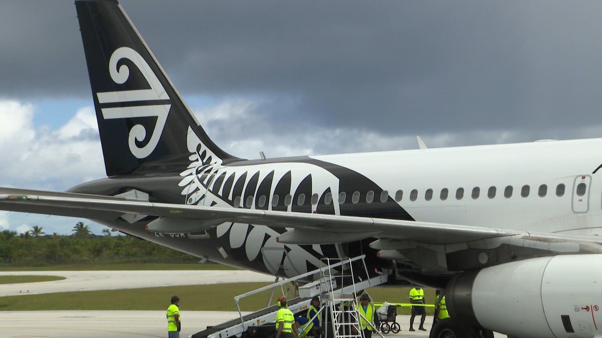 The scheduled flight NZ 784 to Niue on Friday 27th March has today been cancelled.  Minister for Social Services Billy Talagi and Minister for Natural Resources Dalton Tagelagi made the announcement…
