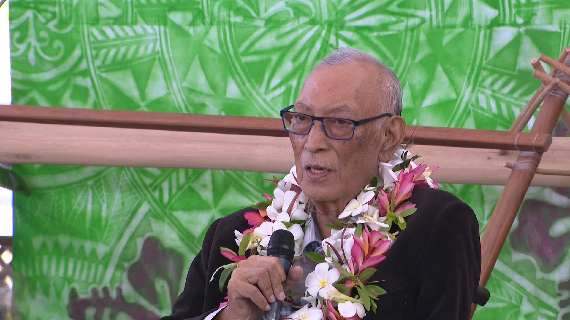 The Premier Sir Toke Talagi has publicly expressed his intentions of contesting the 2020 General Election.  While speaking at the launch of his book this morning at the Fale fono, Sir…