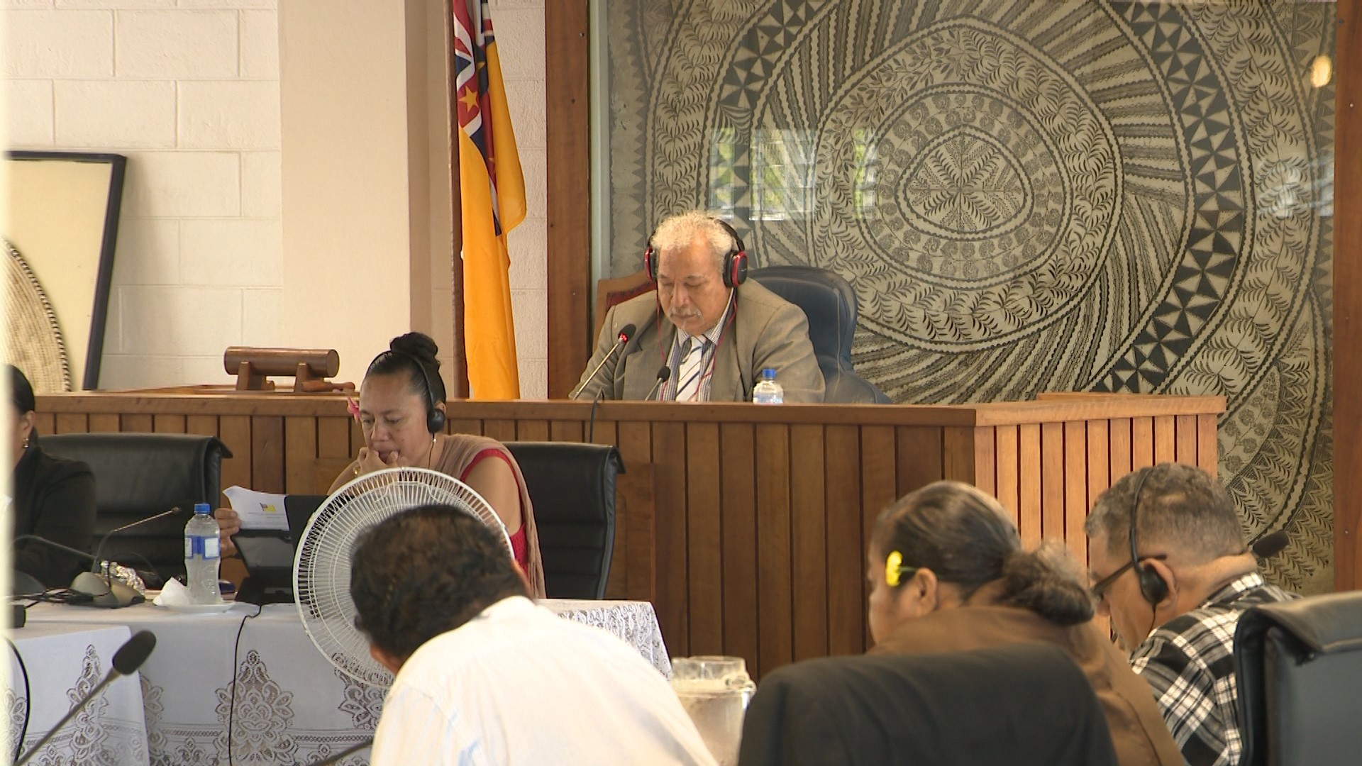 The 16th Assembly of the Fono Ekepule will be sitting for the last time tomorrow, Wednesday April 29th.  Traditionally the last sitting of the Fono is when the members are expected…